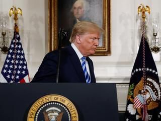 Trump wycofuje się z umowy z Iranem