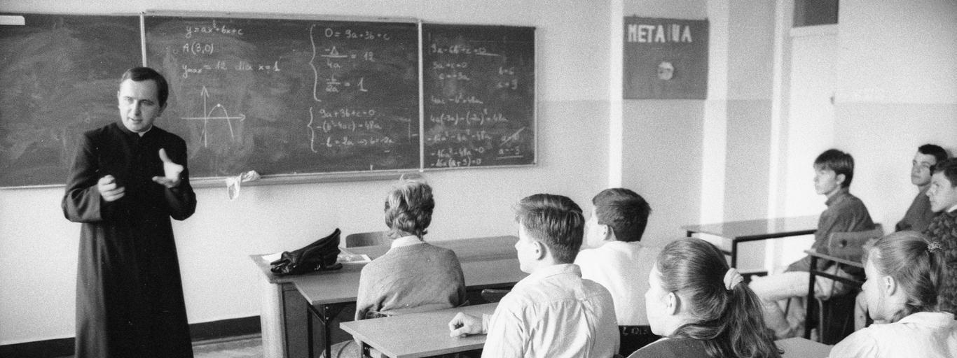 religia, krzyż, szkoła