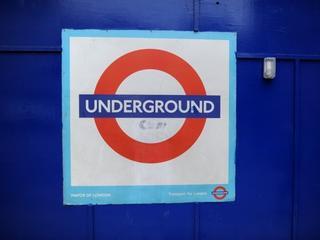 Polak pobity w londyńskim metrze. Jest w stanie krytycznym