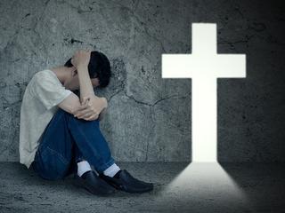 """Katolicka terapia """"leczyła"""" go z homoseksualizmu. Omal go nie zabiła"""
