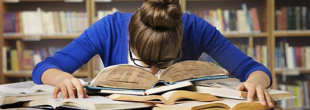 szkoła uczniowie nauka zmęczenie