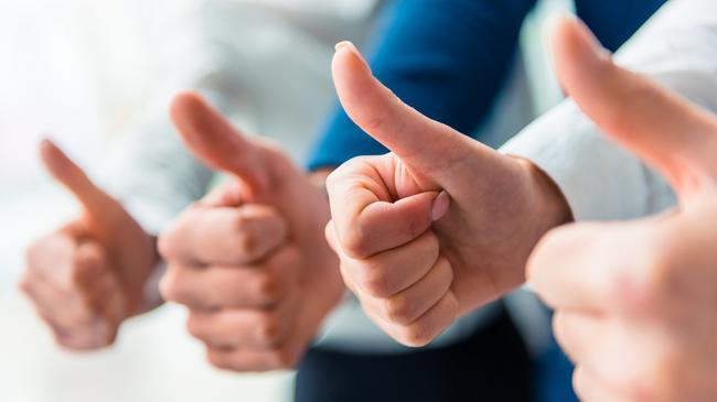 Kciuk psychologia opinia pozytywna opinia aprobata