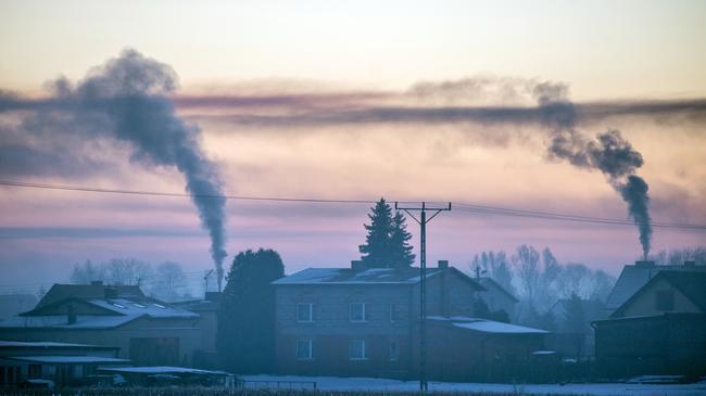 dym kominy węgiel smog