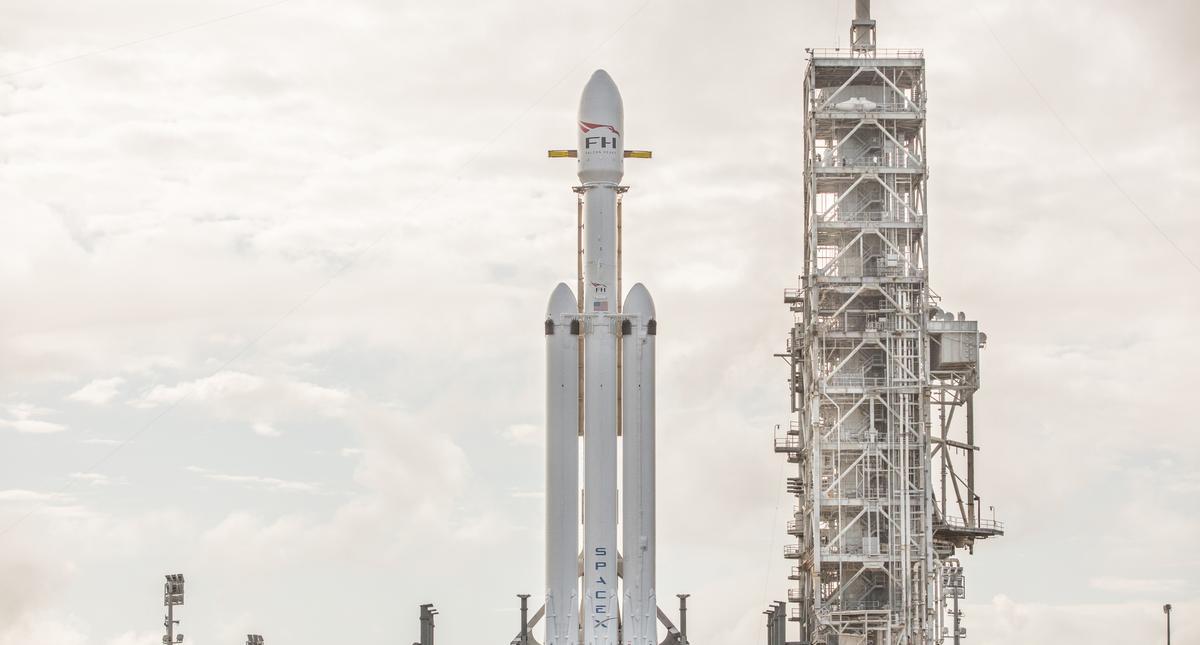 Rakieta Falcon Heavy.