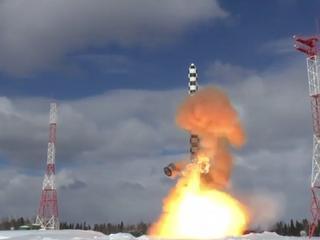 """Rosja testuje nowe rakiety batalistyczne. """"To broń niezniszczalna i o prawie nieograniczonym zasięgu"""""""