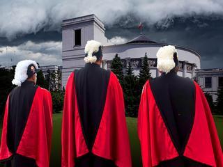 Mają wpływ na polski Kościół i wielką politykę. Kim są tajemniczy Rycerze Kolumba?