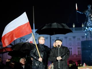 """Tak ostro o Smoleńsku niemiecka prasa jeszcze nie pisała. """"Kaczyński ze śmierci brata zrobił politykę"""""""