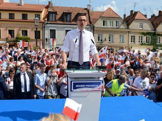Morawiecki otworzył kampanię PiS. Na protestujących rolników nasłano policję