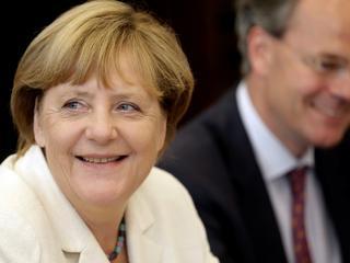 Partia Merkel zwiększa przewagę nad SPD