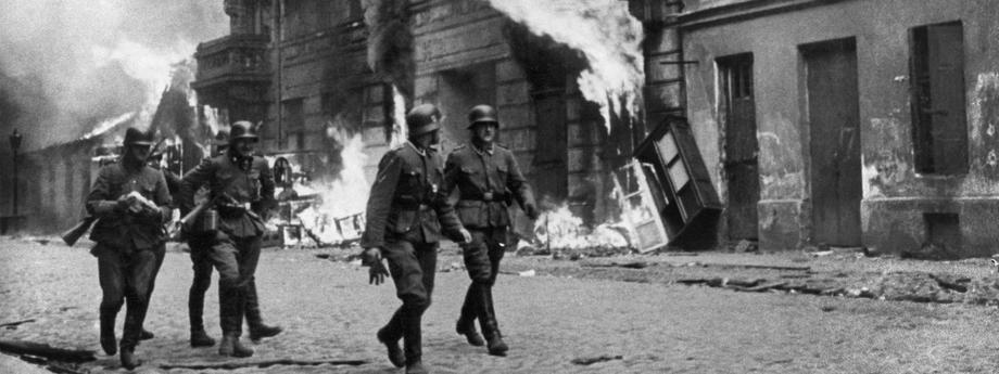 1943 getto płonie w Warszawie
