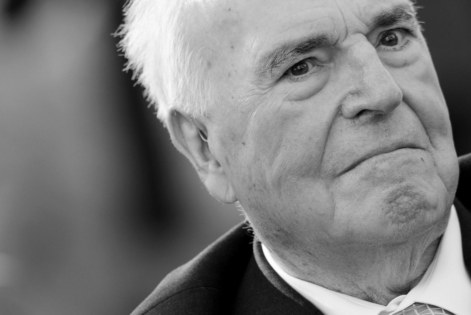 Bavarian government honors former Chancellor Kohl