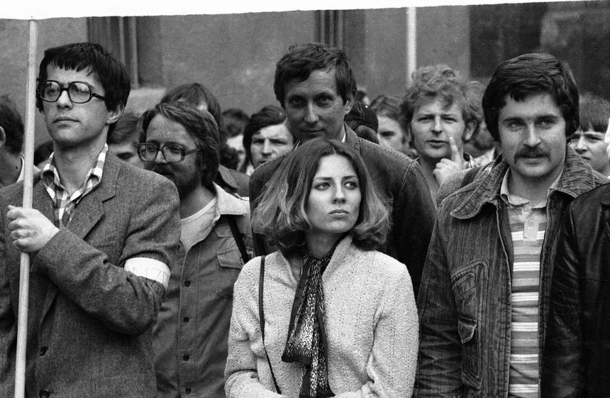 Niezależne Zrzeszenie Studentów oraz Solidarność zorganizowały marsz protestacyjny przeciwko przetrzymywaniu więźniów politycznych. Z prawej Władysław Frasyniuk, członek NSZZ Solidarność, przewodniczący Zarządu Regionu Dolny Śląsk amw PAP/CAF/Adam Hawaej