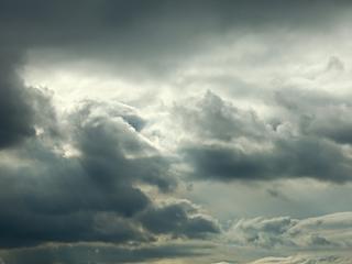 Chmury, deszcze, burze