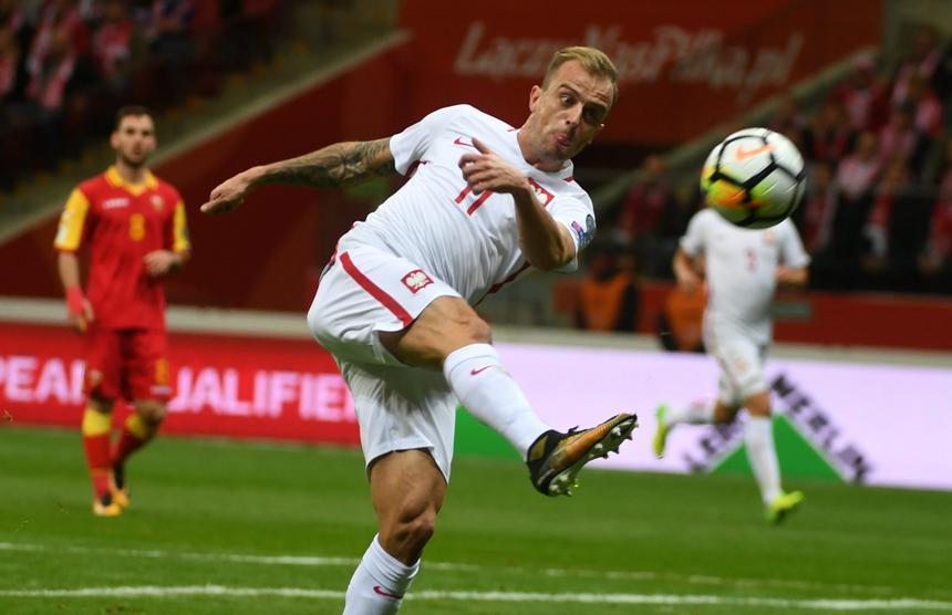 Strzelec bramki Kamil Grosicki podczas meczu z Czarnogórą