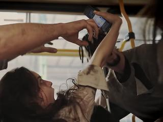 Uwaga! Zombie wpadają pod tramwaje! Świetna akcja stołecznych tramwajarzy