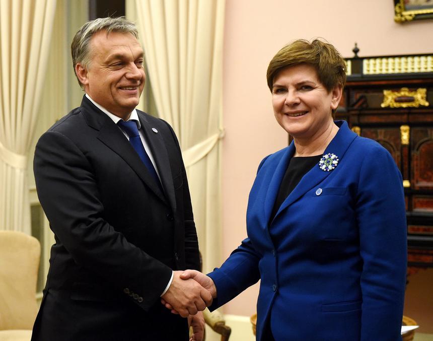 Czechy starają się być politycznym pomostem pomiędzy Polską, Węgrami a Europą Zachodnią