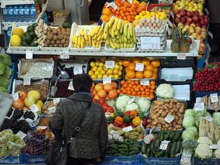 Wyrzucasz żywność, bo przegapiłeś termin ważności? Nie jesteś jedyny
