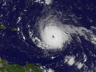 To nagranie robi wrażenie. Huragan Irma widziany z kosmosu