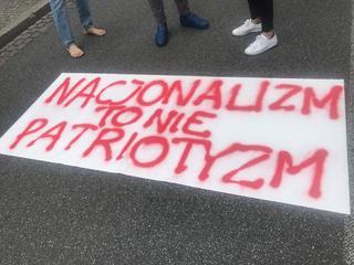 Policja rozbiła blokadę marszu nacjonalistów