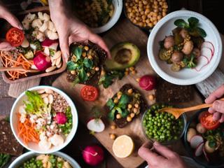 Dieta dobra dla mózgu. Jakie produkty poprawią naszą pamięć i koncentrację?