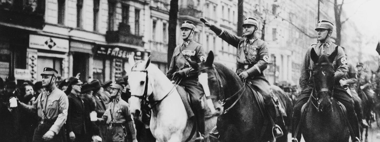 Dzieci pokolenia Hitlera. Ilu Niemców miało ojców wWehrmachcie lub NSDAP?