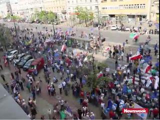 12 czy 90 tysięcy: Ile osób było na Marszu Wolności? Zobacz wideo