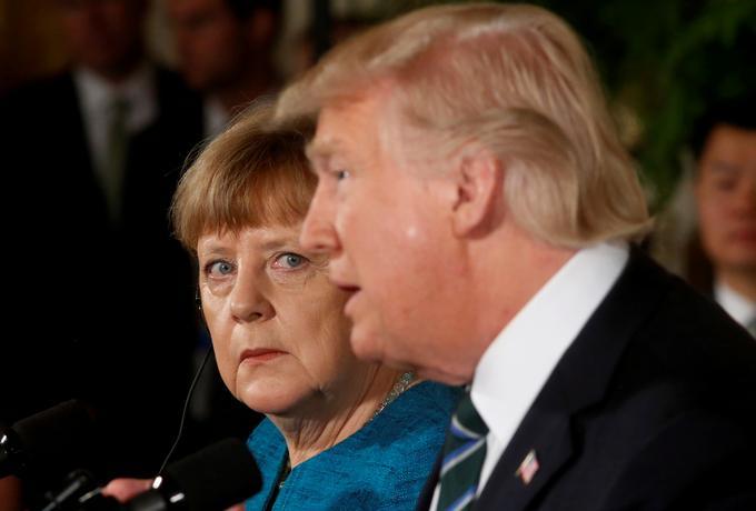Trump nie chciał podać ręki Merkel. Zobacz jej reakcję