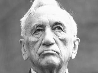 Tadeusz Mazowiecki. Uratował Polskę przed wojną domową