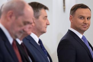 Chaos w armii. Prezydent domaga się wyjaśnień od Macierewicza