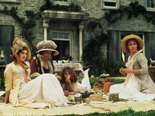 """""""Rozważna i romantyczna"""" w wersji dwujęzycznej. Zobacz jak wyglądała miłość w czasach Jane Austen"""