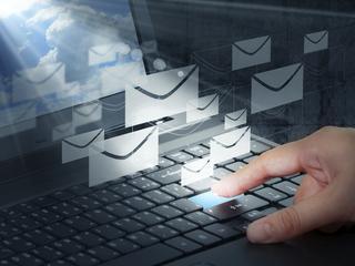 Nieuprzejme maile są bardzo szkodliwe. Nie tylko dla adresatów