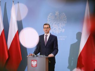 Premier mija się z prawdą? Sędziowie punktują Morawieckiego
