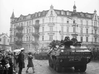 Najlepsze i najgorsze decyzje w historii Polski w XX wieku [RANKING]