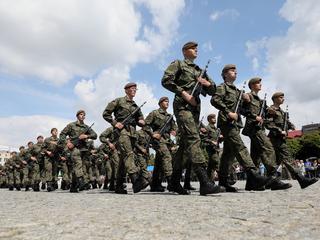 W polskiej armii brakuje mundurów. Wszystko przez Macierewicza