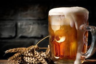 Będziemy częściej sami warzyć piwo i mniej siedzieć na fejsie, czyli jak zmienią się Polacy w 2017 roku