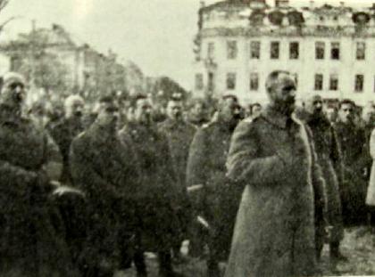 Żeligowski na czele swoich żołnierzy w Wilnie