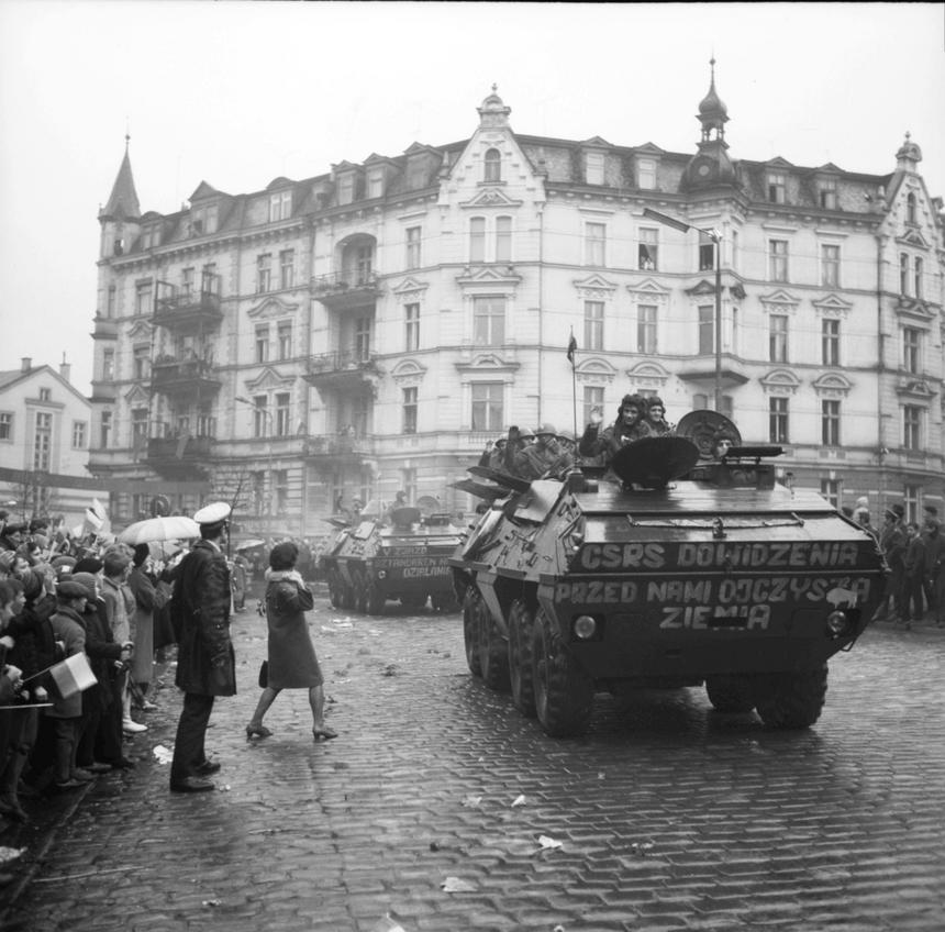 Ludowe Wojsko Polskie wraca z Czechosłowacji. Bystrzyca Kłodzka, październik 1968 roku.