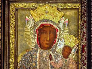 Trzysta lat od koronacji jasnogórskiego obrazu. Jakie tajemnice skrywa Matka Boska z Częstochowy?