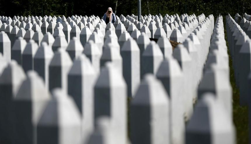 Pomnik ofiar w Potoczarach pod Srebrenicą