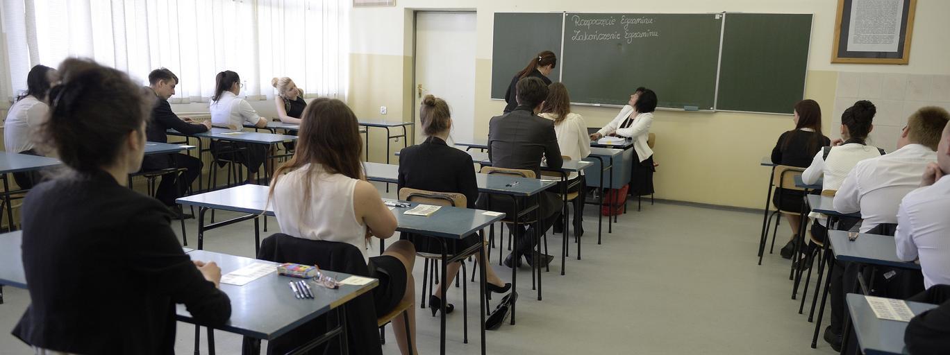 Szkoła uczniowie edukacja oświata matura nauka klasa