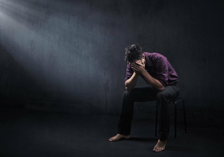 depresja, narkotyki, mężczyzna