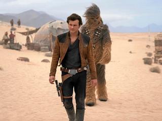"""Widzieliśmy """"Han Solo. Gwiezdne wojny – historie"""". Jest nieźle, ale bez fajerwerków"""