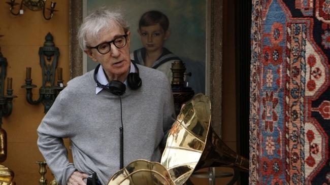 """Woody Allen na planie filmu """"O północy w Paryżu"""""""