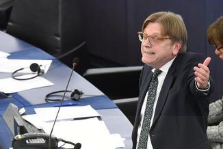 Verhofstadt ostro o Orbanie: Premier Węgier porzucił demokratyczne wartości [WIDEO]