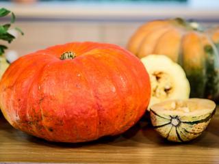 Dynia nie tylko na Halloween – przepis na zupę z dyni
