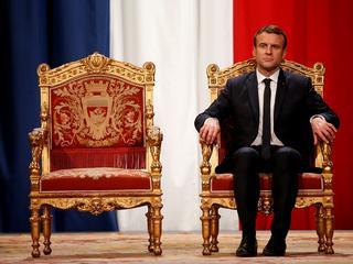Czy Macron kroczy w pustkę? Mija rok jego prezydentury