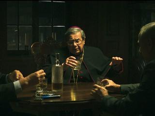 """Prawicowy rząd finansuje antykościelny film? Kolejna burza wokół """"Kleru"""""""