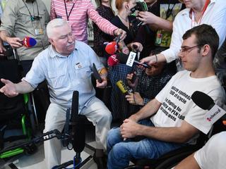 Lech Wałęsa prezydent Sejm niepełnosprawni