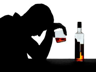 Pełnoletni Polak nie napije się piwa? Księża chcą ograniczenia sprzedaży alkoholu
