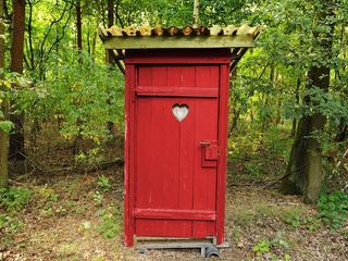 Niemal milion Polaków nie ma dostępu do toalety. Na świecie podobny problem ma 4,5 mld osób